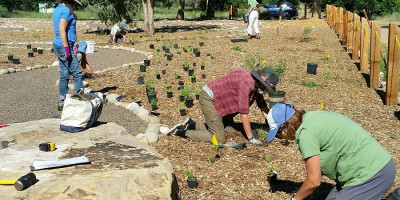 R Mt Botanic - workers -CRivers